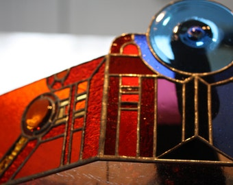 Stained Glass Mantel or Table Accent Sculpture.