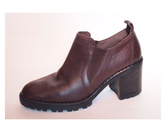 Size 8.5 or 39 Chunky 90's Leather Shoe Boots
