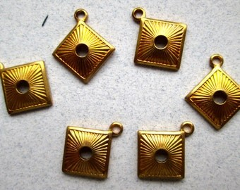 8 Brass Findings/Charms