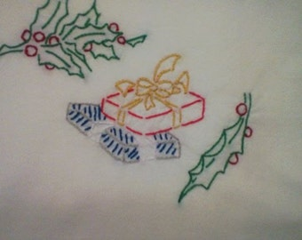 Christmas Motifs pattern Holly and Gifts Free Shipping