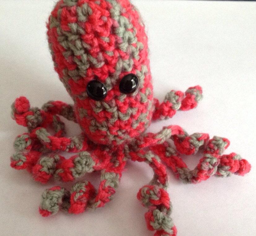 Crochet Church Purse Doll Pattern : Mini Octopus Amigurumi