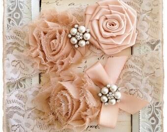Wedding Garter, Bridal Garter, Lace Wedding garter Set, Ivory Garter Set - Ivory Lace, Champagne and Blush Flowers