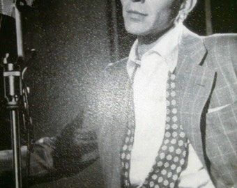 Frank Sinatra Print Black And White At Mic When Young