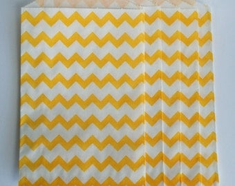 "Trendy yellow chevron party favor paper bags 5 x 7.5"" - Set of 20"
