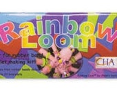 Rainbow Loom Original Kit, Complete Original Rainbow Loom Kits, One Loom, One Hook, One Manual, and One Bag of 600 Mixed Refill Bands!