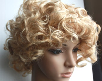 Short blonde curly wig. High quality synthetic wig