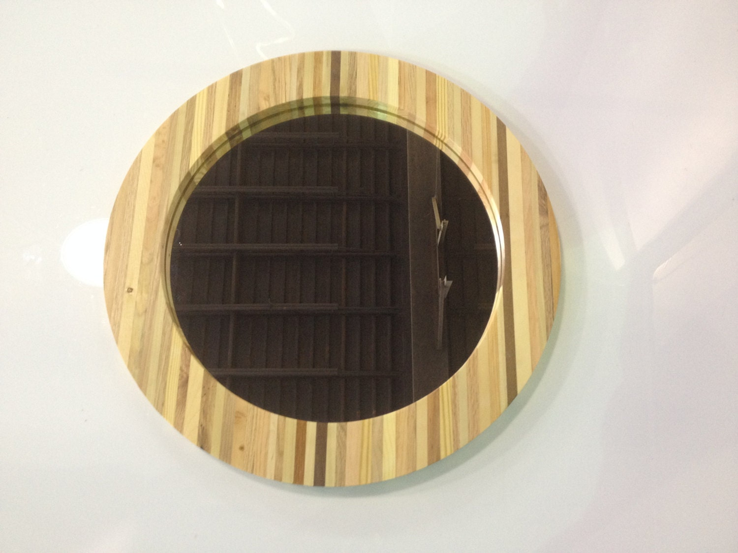 Reclaimed pallet wood round mirror for Round wood mirror
