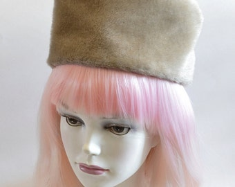 Vintage Blonde Beaver faux Fur Pillbox Hat