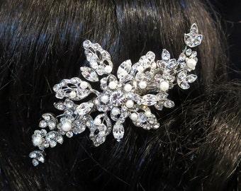 Vintage inspired Bridal hair accessories, Rhinestone wedding hair clip, Swarovski crystal and pearl hair clip