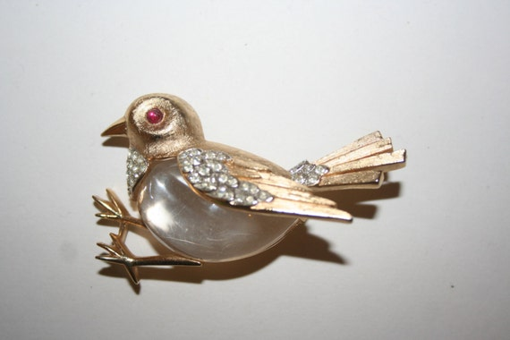 1950s Costume Jewelry Crown Trifari Jelly Belly lucite Bird Brooch $449.00 AT vintagedancer.com