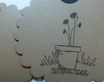 Flower gift tags Round Scalloped tags Floral gift tags Flower pot tags Handmade flower tags Hand stamped flower tags