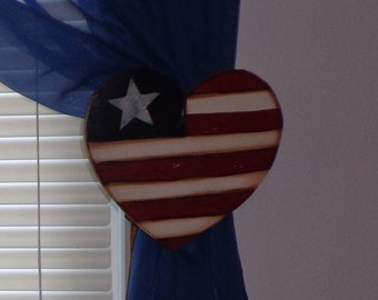Wooden Americana Heart Curtain Holder Tieback