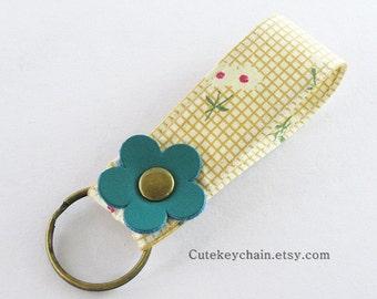 MINI Fabric Keychain, Fabric Wristlet Key Fob, Fabric Keyring, Keychain Wristlet With Green Leather Flower