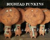 Primitive 1 Halloween Big Head Pumpkin Ornament ornies doll