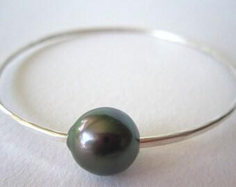 Tahitian Pearl Bangle Bracelet, Tahitian Pearl Bracelet, Sterling Silver Bangle, Black Pearl Bangle, Pearl Sterling Silver Bracelet