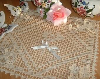 Filet crochet Center made with flowers and butterflies. Crochet centerpiece. Cotton doily ecru. Ornament House
