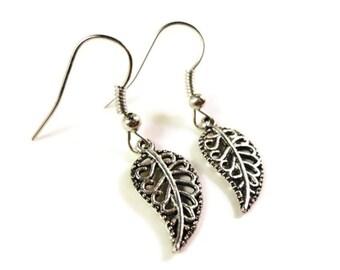Silver Leaf Charm Earrings, Nature Earrings, Antique Silver Metal Earrings, Dangle Earrings, Drop Earrings, Women's Jewelry, Gift Idea
