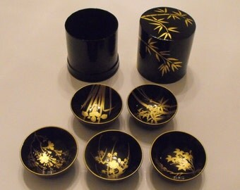 Black and Gold Paper Mache Cylinder containg 5 bowls