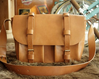 Handmade leather Men's bag, Cross bag, Business Bag, Briefcase / ver.1