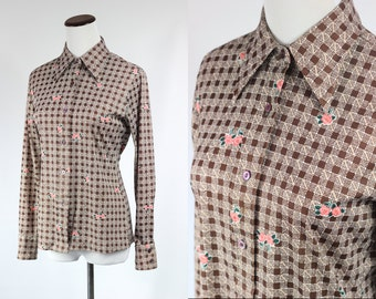 S a l e • 1970's Checkered Rose Button-up Blouse