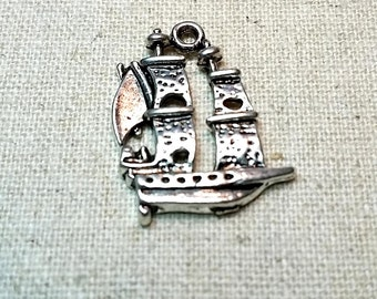 6 Tall Ships Sails Pirate Ship Charm Necklace Drop Tibetan Antique Silver Tone Bohemian - CHM.0025
