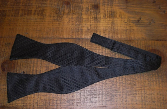 Men 39 s bow tie the black tie collection black by rockmybowtie for Fish bow tie