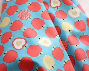 Scandinavian Style Vivid Apples Pattern 20s Cotton Fabric