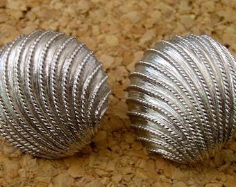 Vintage Napier Silver Tone Earrings - Screw Back, Napier Silver Earrings, Napier Earrings, Napier Shell Earrings