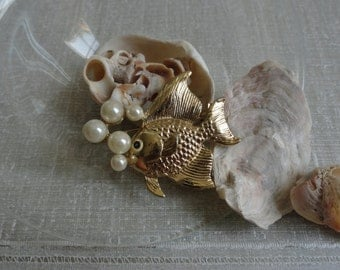 Vintage Fish and Bubbles Brooch Pendednt