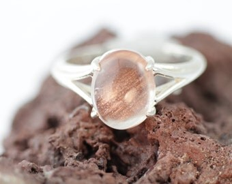 Oregon Sunstone Ring in Sterling Silver, Oregon Sunstone Cabochon Ring with Unique Sparkling Crystallized Copper Schiller