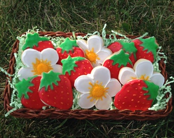 Strawberries & Flowers Sugar Cookies (15 Cookies)