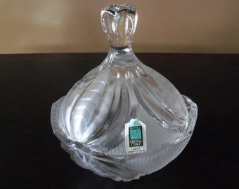 Avitra Lead Crystal Serving Bowl with Lid