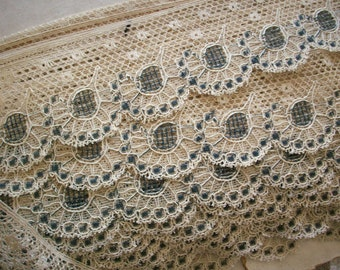 1 yd vintage ivory/black lace by the yard