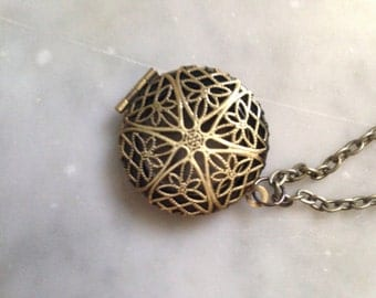Antique bronze Filigree Locket or Essential Oil Diffuser Necklace-Comes with Leather pads-Aromatherapy Necklace