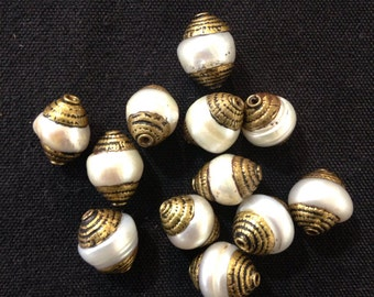 B3 Fresh Water Pearl Bead with Brass Cap (12pc)