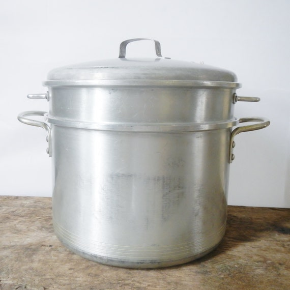 Vintage quart stock pot with colander and steamer basket