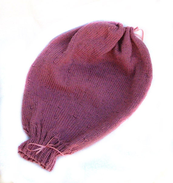 Large Plain Knitted Uterus with Drawstring Top Ante-natal