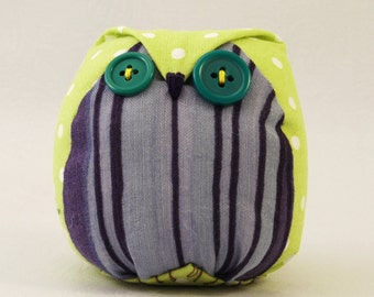 Fabric owl plushie / Stuffed owl / Plush owl / Decorative owl / Toy owl / Owl toy / Owl lover / Purple and lime polka dots
