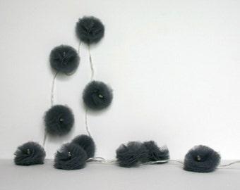10 Led - Light string of PomPoms in dark grey tulle