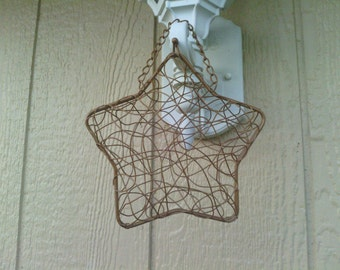Unique Festive Wired Star Shape Case with Snap and Chain Handle.