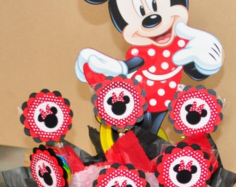 Minnie Mouse Centerpiece with Lollypops.