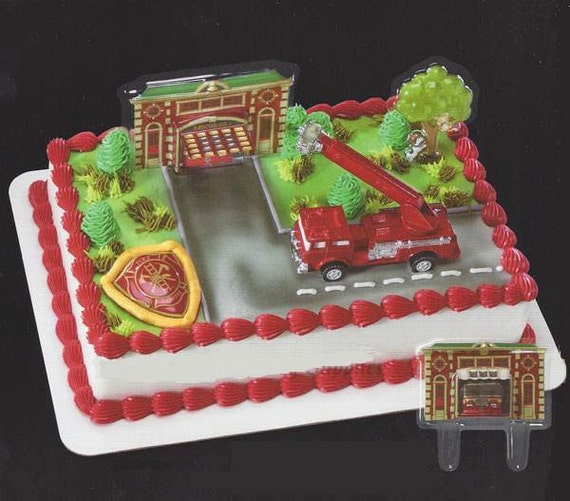 Kit Iniciacao Cake Design : Fire Truck and Station Cake Decorating Kit Topper Decoration