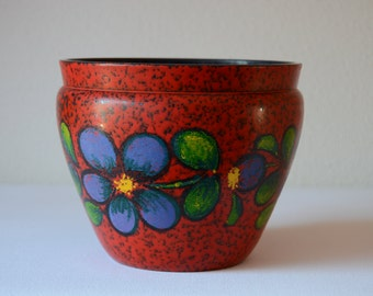 Red plastic planter from Emsa with flower decor, seventies design