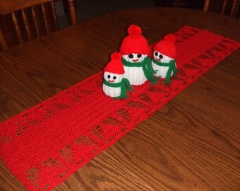 Crochet Christmas tree table runner, holiday decor, unique, gift idea