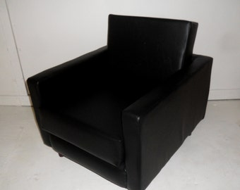 American Diner Urban Retro Chair Upholstered in Premium   Black Faux Leather