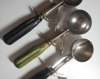 Vintage Ice Cream Scoops...Williamson...Shorecraft...Kitchenware Decor