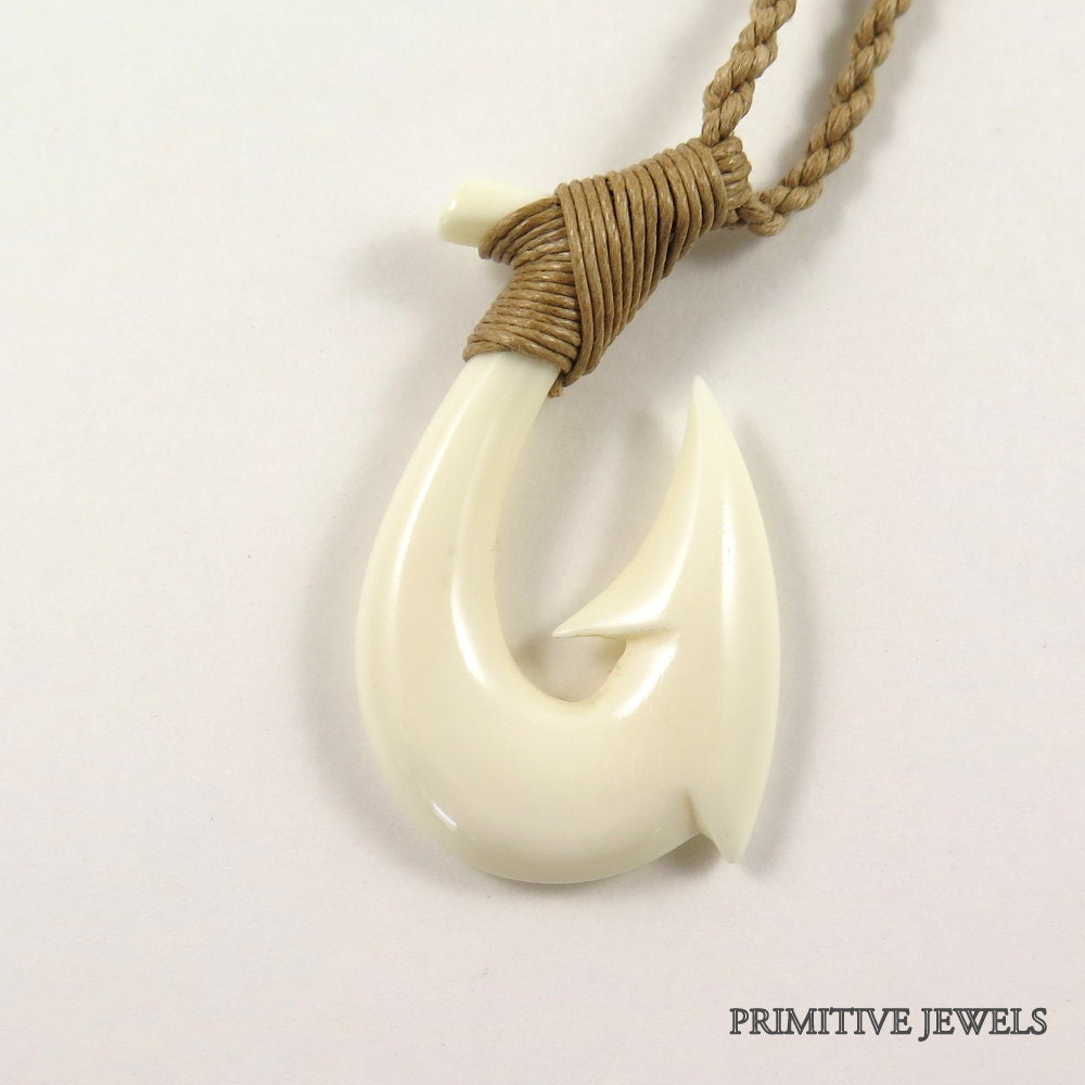 Hawaiian maori fish hook bone necklace small a1 for Fishing hook necklace