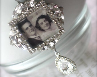 Memory Wedding Bouquet Photo Charm, Bridal Bouquet Charm, Swarovski Crystal Memory Photo Charm