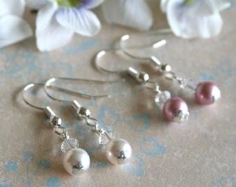 Set of 5: Bridesmaid Earrings, Pearl Bridesmaid Earrings in Bridesmaid Colors, Elegant Wedding, Classic Bridesmaid Jewelry Gift