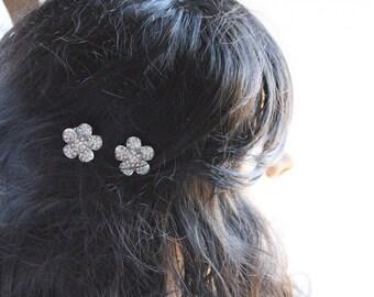 Rhinestone flower bobbies by KgDesign